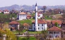Panorama Ljetinića sa starom džamijom